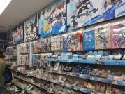 וכפי שאמרתי, מלא מרצ' של אזור ליין. בחיי, היינו בקושי בכמה חנויות כאלה ותראו כמה מרצ' יש...